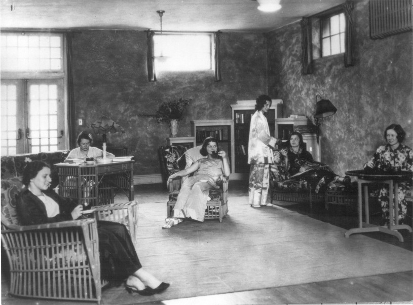 Women athletes relaxing at Chapman Park Hotel